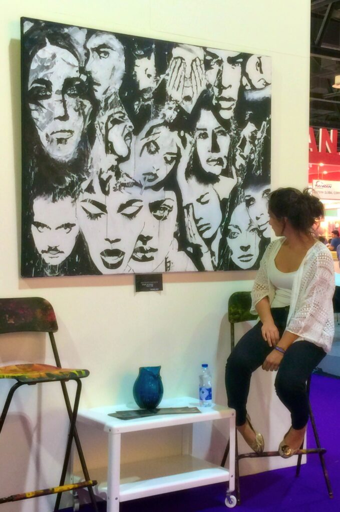 buy abstract art in dubai